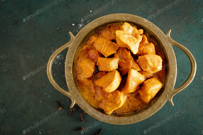 Pollo al curry masala
