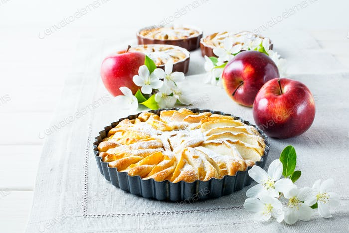 Homemade apple pie with ripe apples