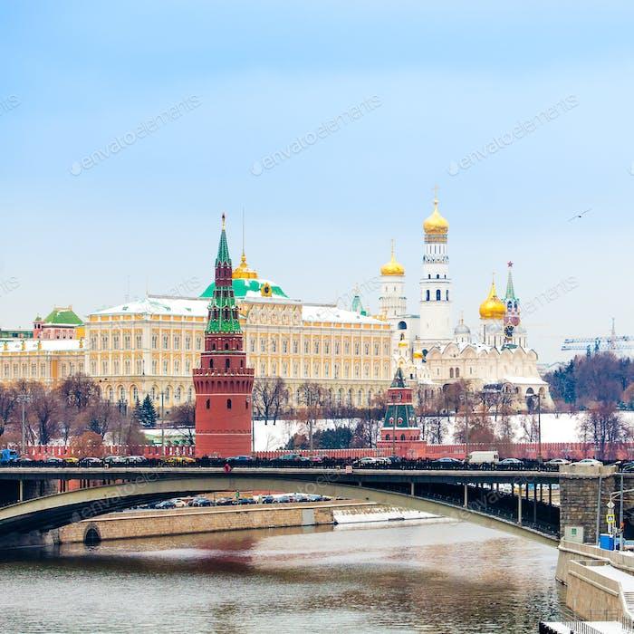 Blick auf den Kreml im Winter, Moskau, Russland. Winter in Russland
