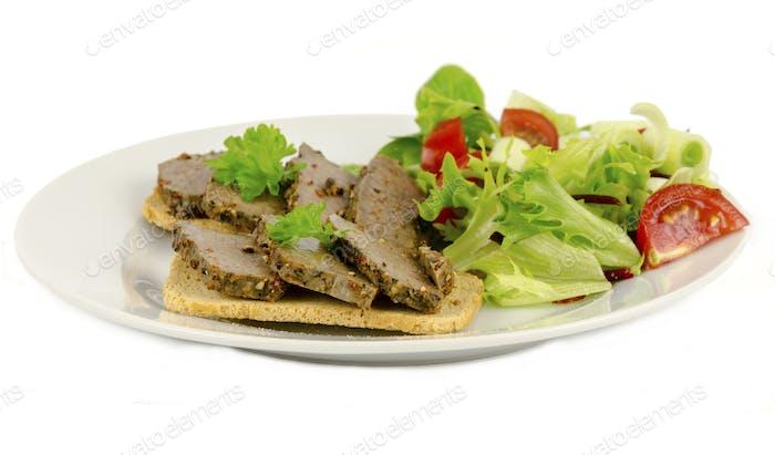 Scheiben von gepfeffertem Steak