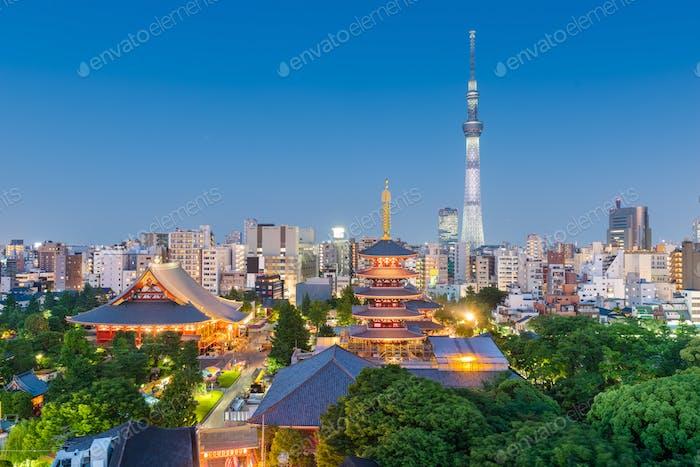 Skyline de Tokio, Japón en Asakusa.