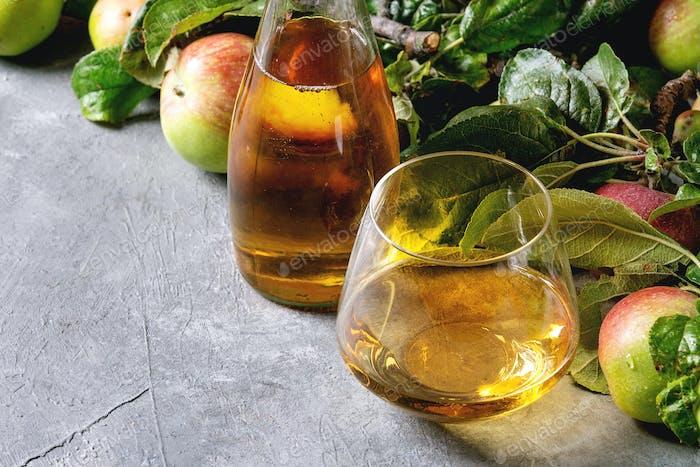 Zumo de manzana fresca