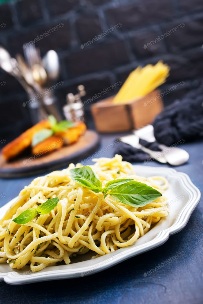 spaghetty with pesto
