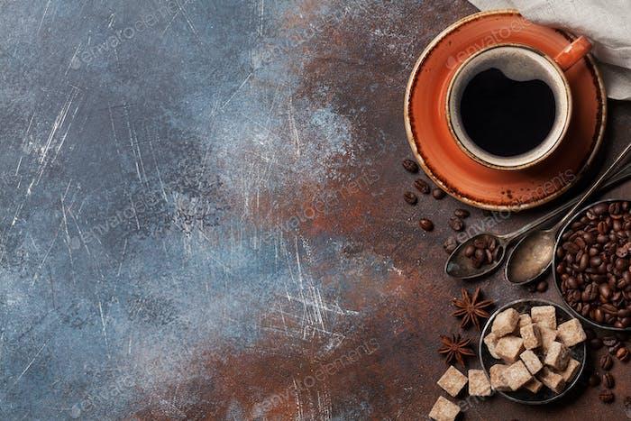 Kaffeetasse, Bohnen und Zucker