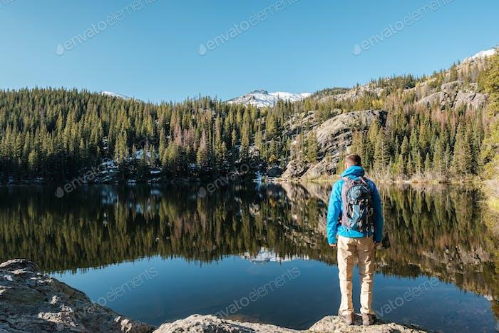 Tourist in der Nähe von Bear Lake in Colorado