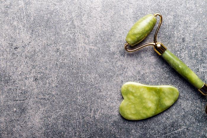 Jade Gesichtswalze und Gua Sha Stein
