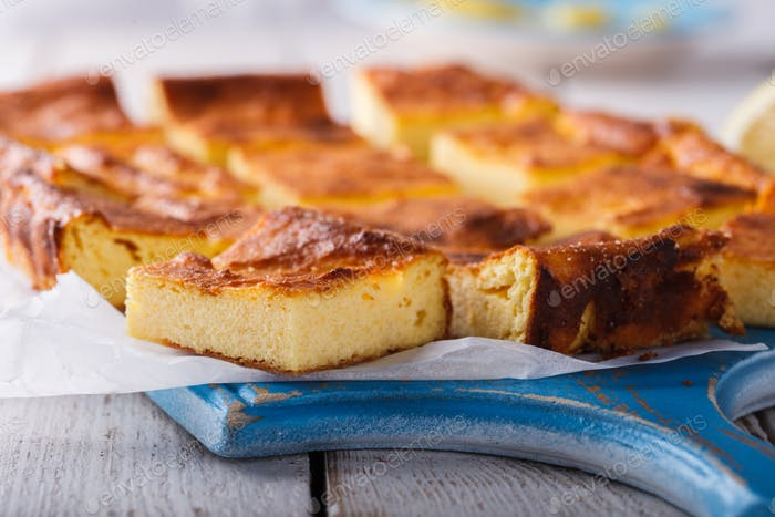 Cottage cheese pudding cake with lemon