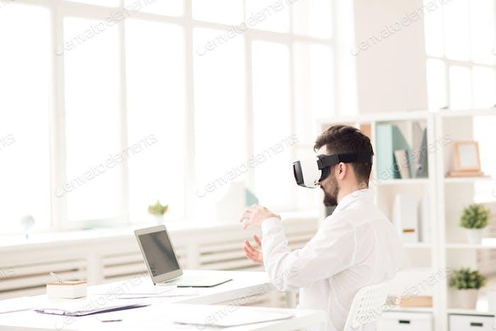Using virtual reality simulator