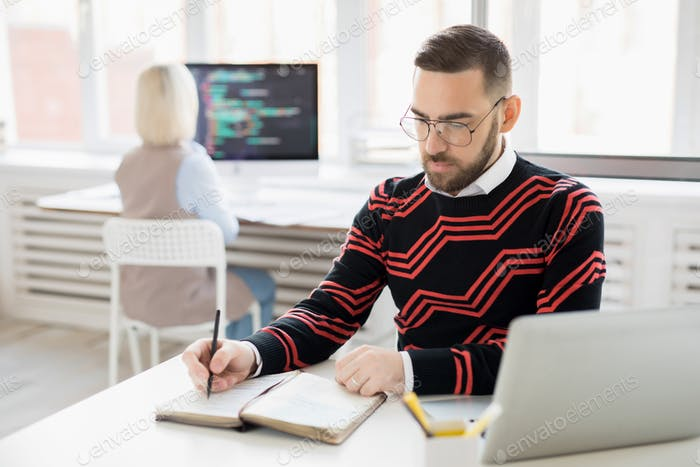 Concentrated content manager making posting schedule