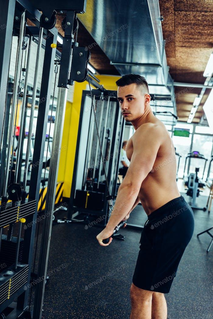 Construir músculos con un poco de entrenamiento de resistencia