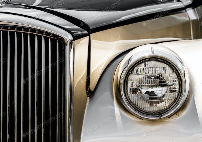 Glänzende Antik Limousine Nahaufnahme der Front
