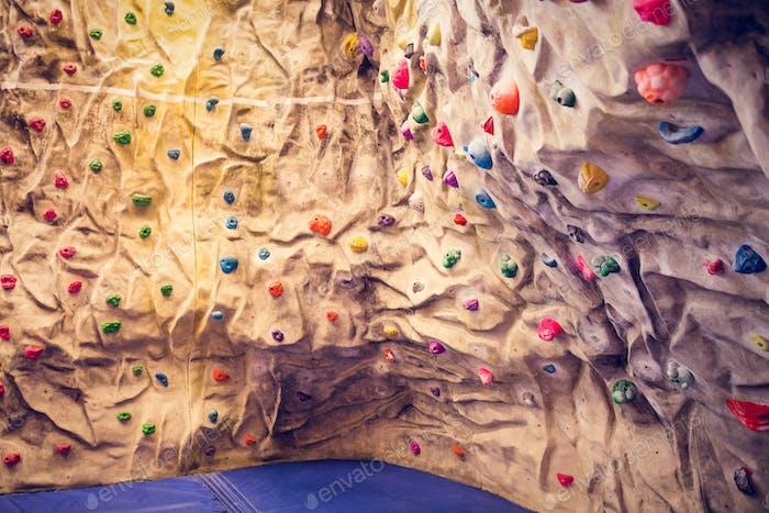 Kletterwand im Fitnessstudio