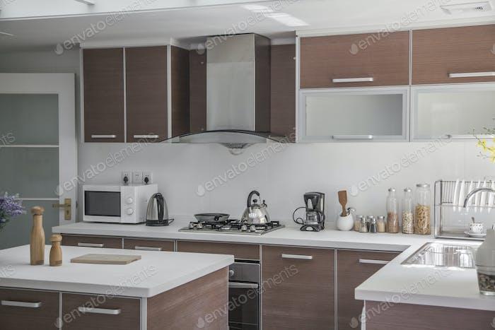 Large, open, modern kitchen.