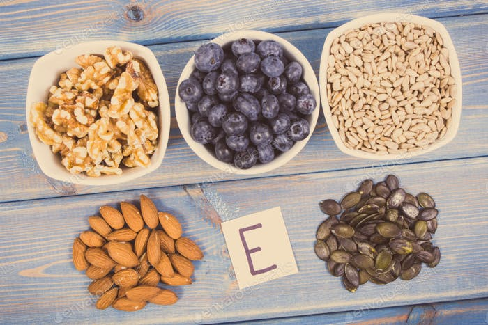 Products, ingredients containing vitamin E and dietary fiber