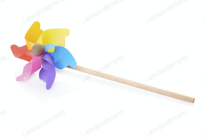 Windrad, buntes Spielzeug, isoliert auf weiß