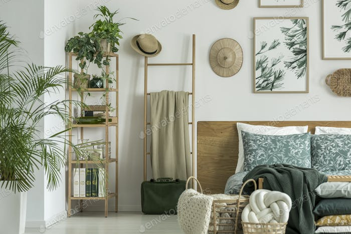 Ladder with coverlet