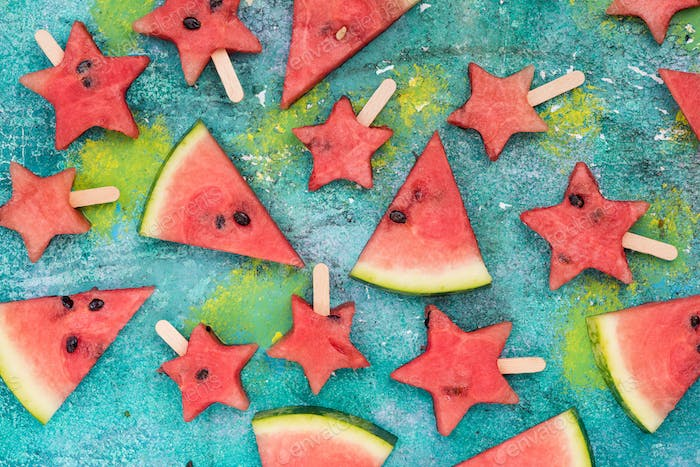 Watermelon slices and star shapes popsicles