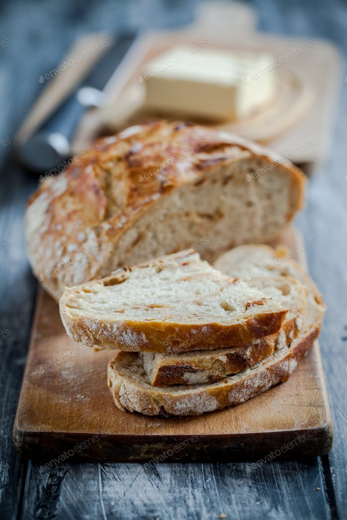 Best homemade sourdough bread with dried tomatoes