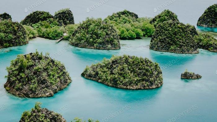 Pianemo Island, Blue Lagoon, Raja Ampat, Westpapua, Indonesien