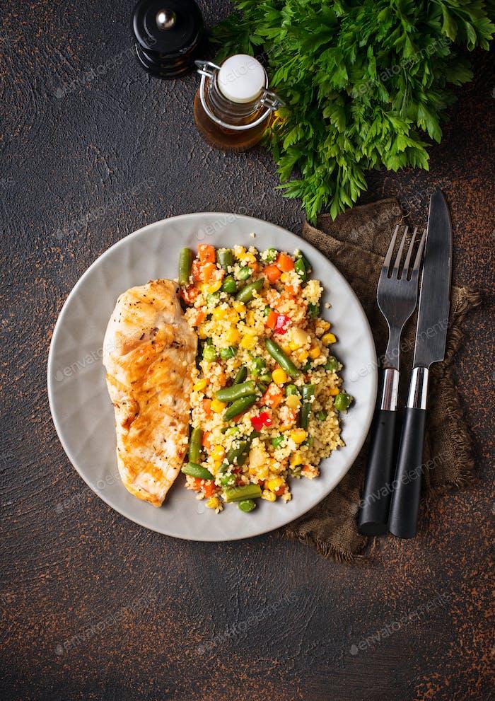 Grilled chicken fillet with vegetables