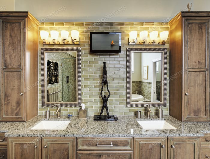 Bathroom Counter With Vanity Lighting