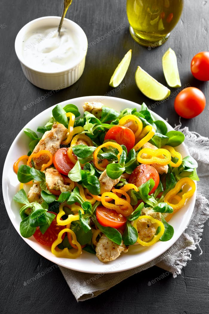 Vegetable salad with chicken meat