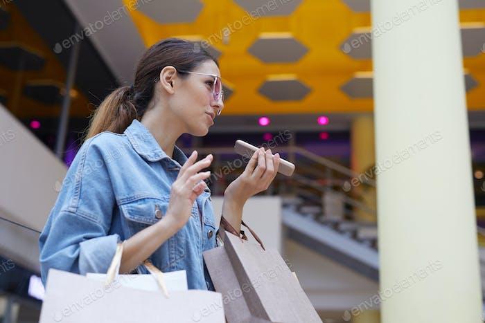 Machen Sprachnachricht in der Mall