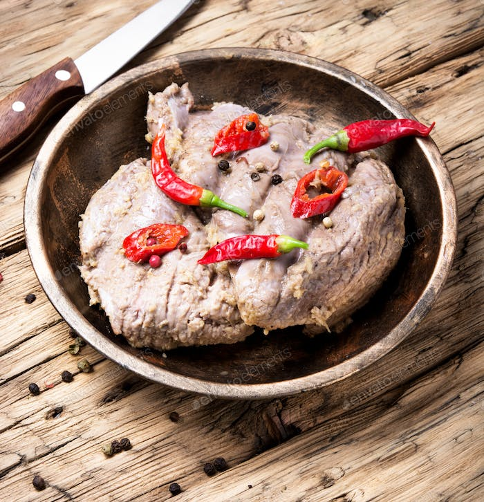 Stew meat with pepper
