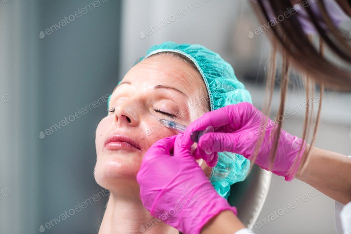 Hyaluronic Acid Face Treatment