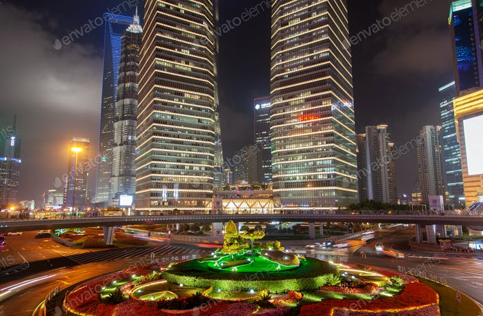 Shanghai Gebäude von Pudong an Lujiazui Brücke