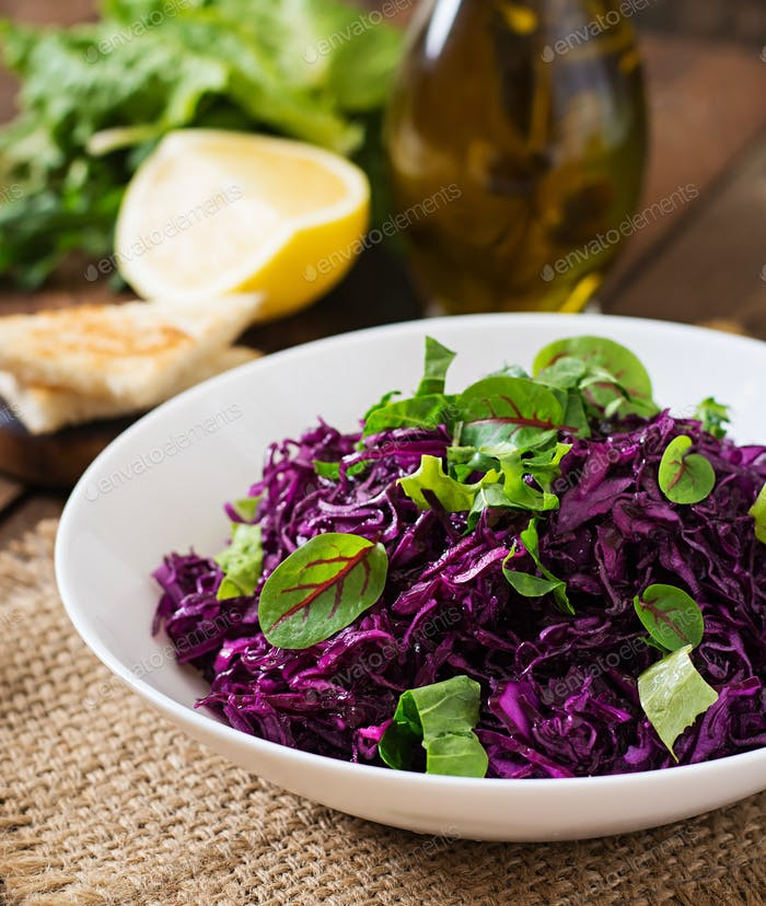 Salad of red cabbage with herbs