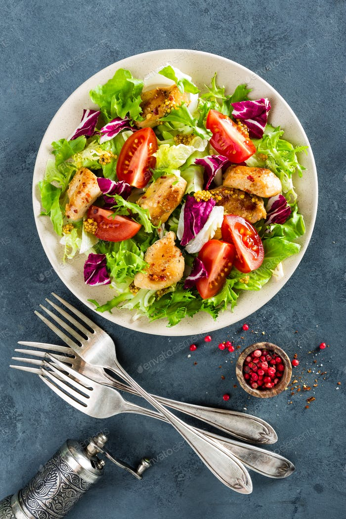 Fresh vegetable salad with chicken breast