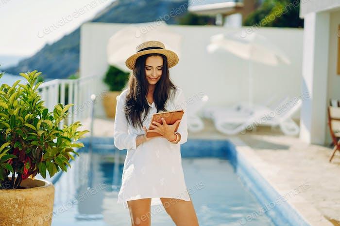 Mädchen in einem Resort