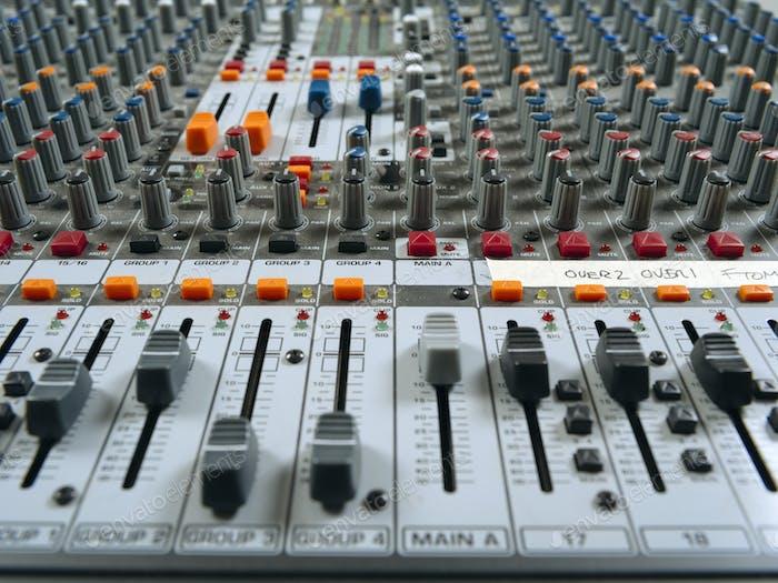 Aufnahmestudio Mischplatte