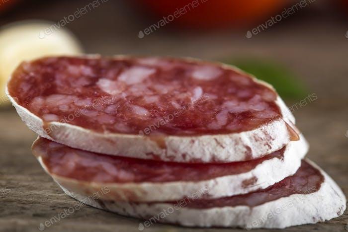 italienische Salami-Scheiben