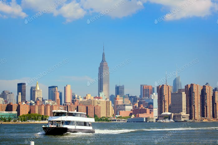 Ferry and Manhattan skyline