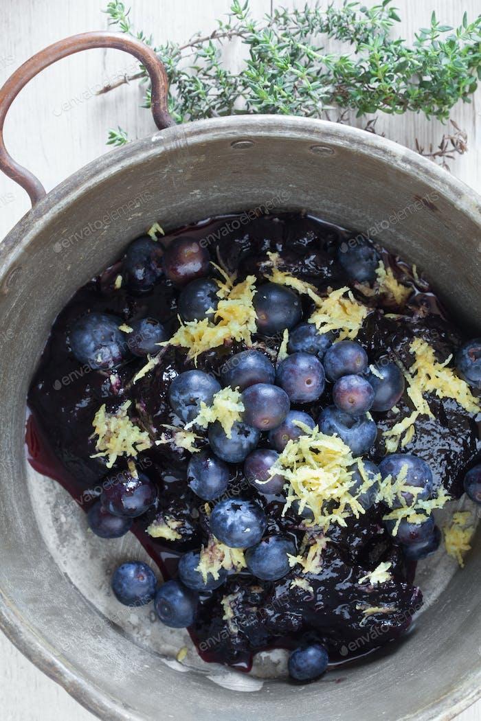 Vintage Blueberries Pan