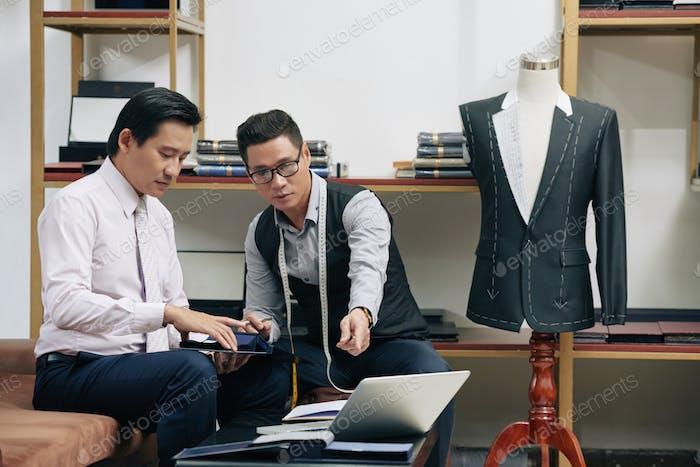 Discussing creative ideas
