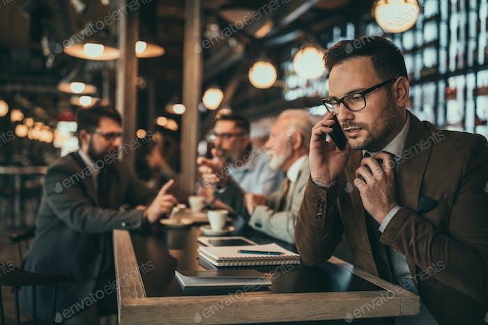 Поддержание связи со своими клиентами