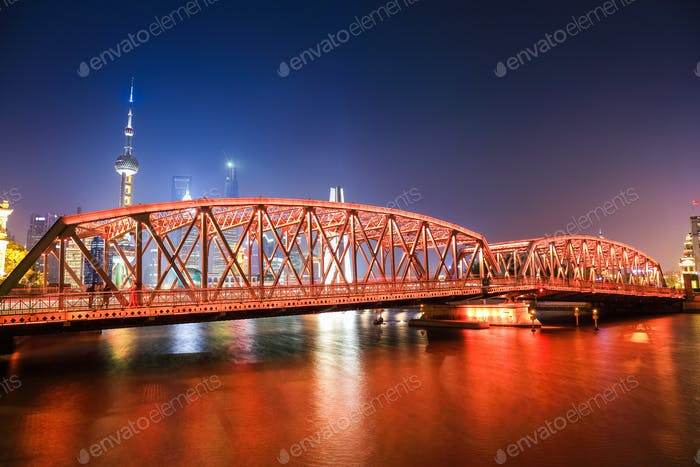 shanghai garden bridge at night