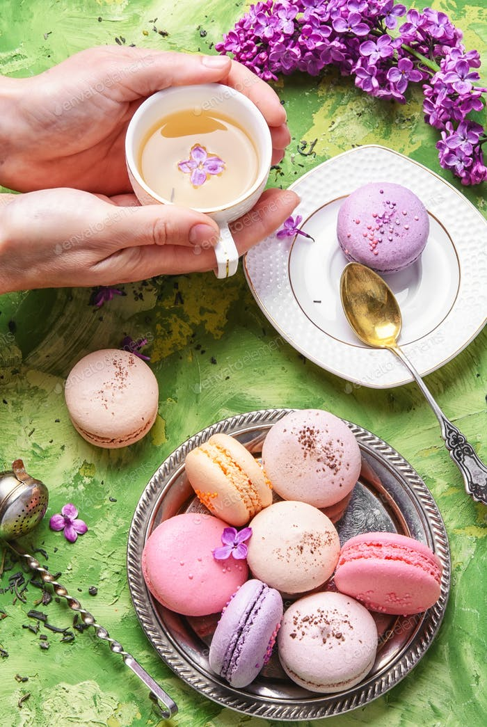 Sweet french macaroons and tea