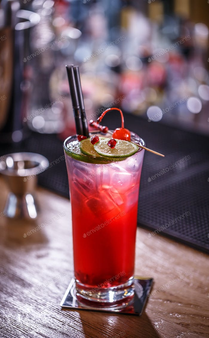 Non-alcoholic pomegranate cocktail
