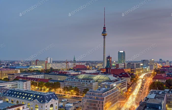 Amanecer sobre el centro de Berlín