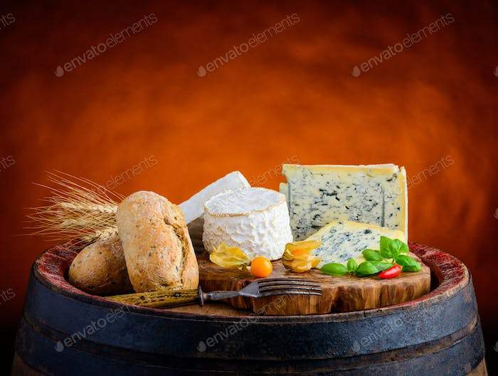Gorgonzola, Brie and Camembert with Bread