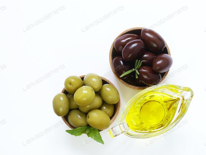 Натуральные оливки