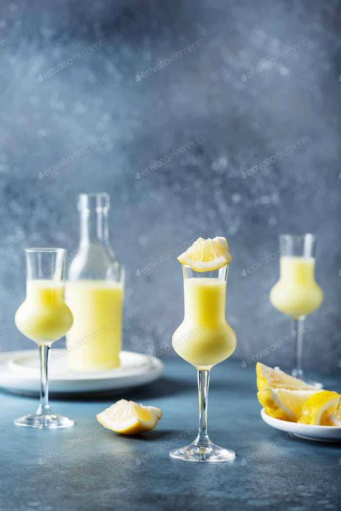 Italian liquor with lemons and cream