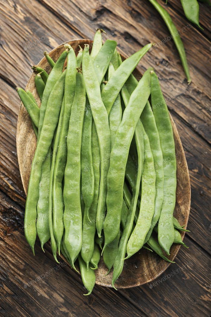Raw fresh green beans