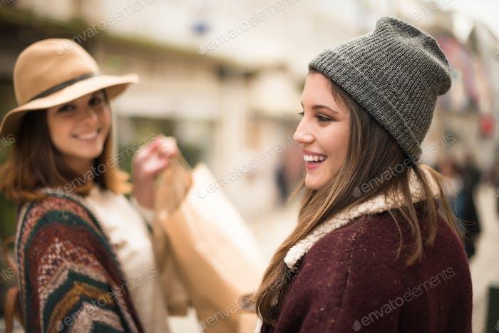 Damen Einkaufen