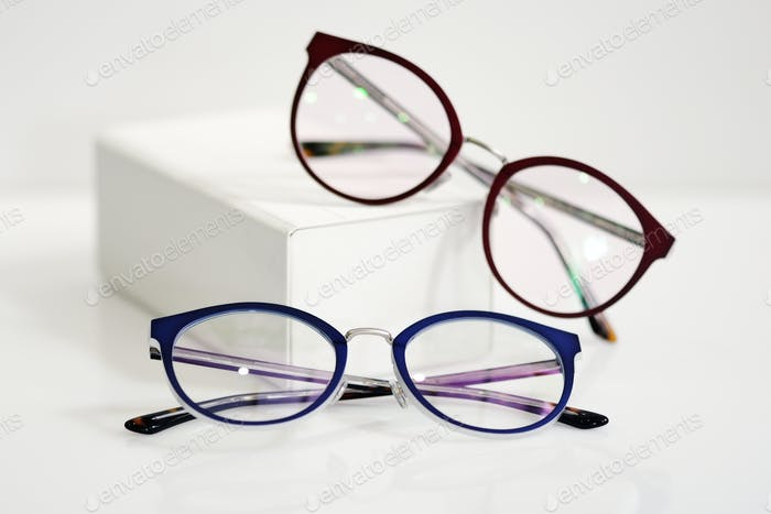 Multicolored fashionable glasses with white case