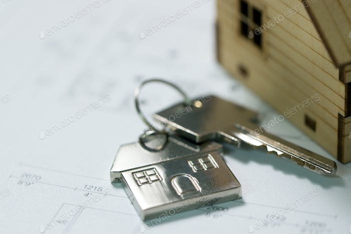 Key with house plan